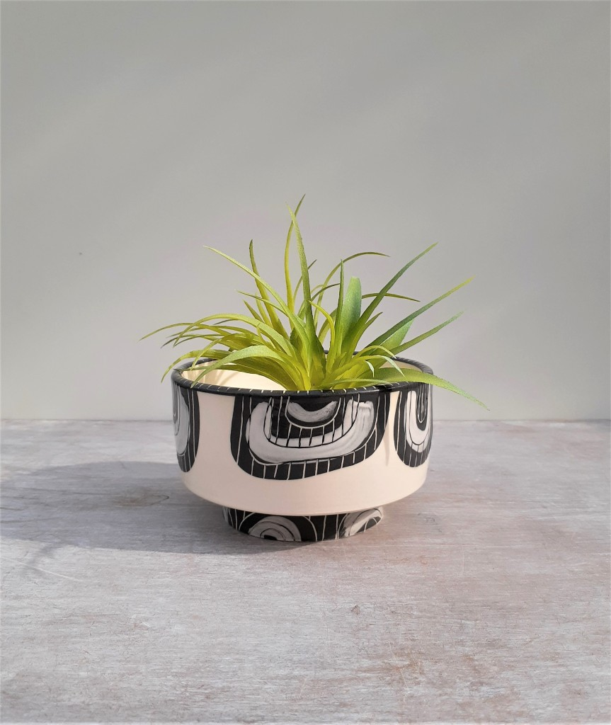 High footed ceramic planter to be found on Etsy at Ceri White Studios